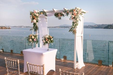 Wedding furniture for rent in Corfu - Αψίδα Γαμήλιας Τελετής
